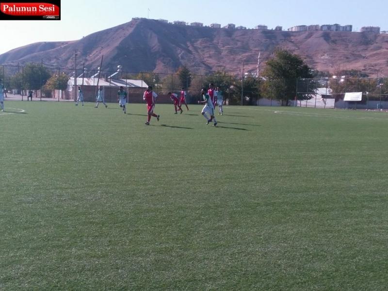 32. dakikada Yavuz Penaltıdan Palu sporu 2-1 öne geçiren golü attı. 35.Dakikada Paluspor`dan Furkan Penaltıyı kaçırd