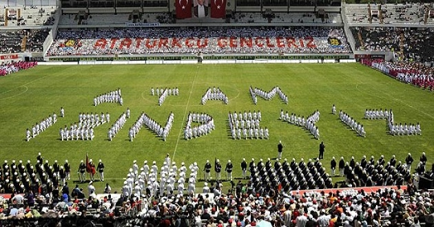 """""""19 Mayıs Bayramı'nın Hikâyesi ve Bitmeyen Faşizm"""