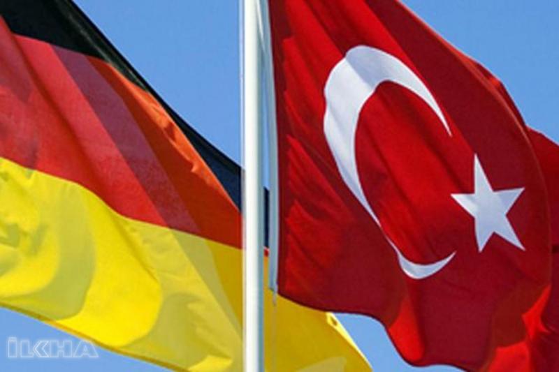Almanya'dan Türkiye'ye destek açıklamaları