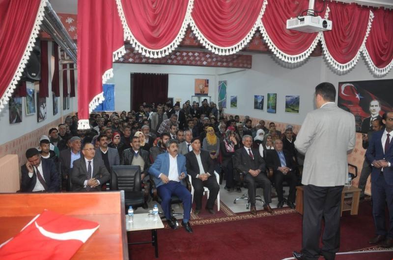 Arıcak`ta Hibe Desteği ve Girişimcilik Kursları Hakkında Bilgilendirme Toplantsı Yapıldı.