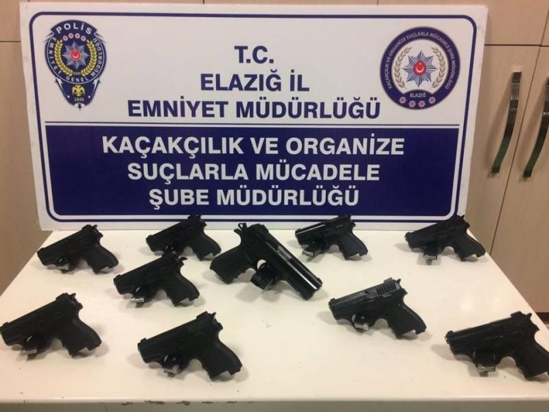 Elazığ`da 10 Ruhsatsız Tabanca Yakalandı: 2 Gözaltı