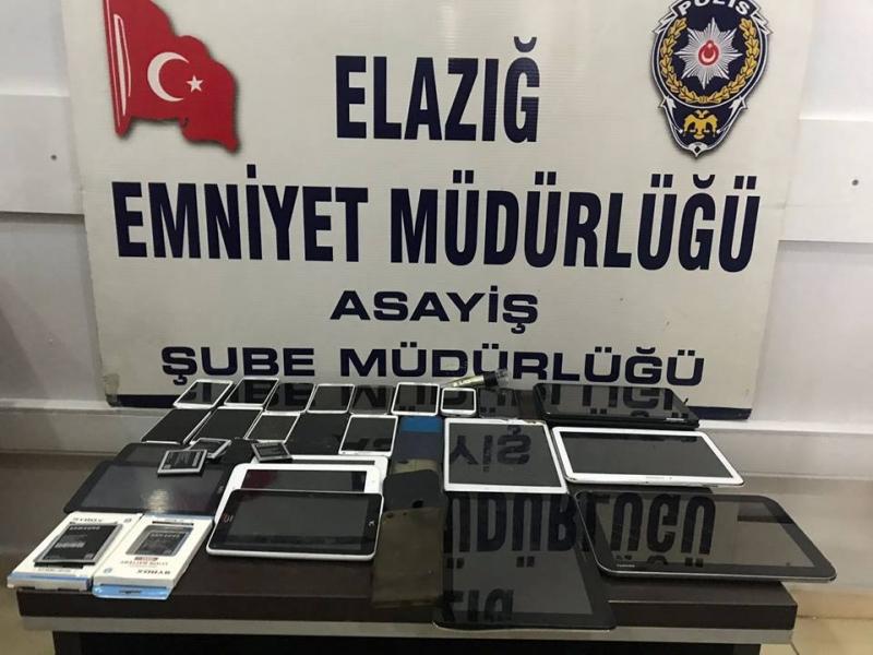 Elazığ`da Cep Telefonu Dükkanı Soyguncusu Yakalandı