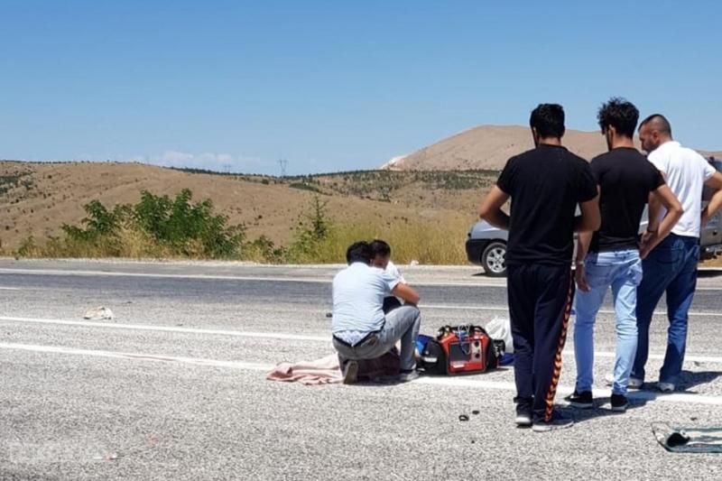 Elazığ`da Otomobil motosikletle çarpıştı: 1 Ölü