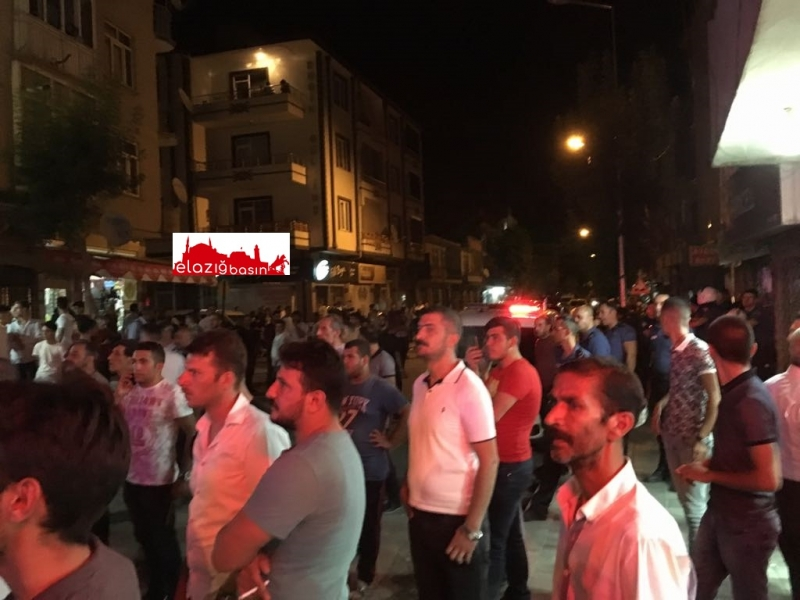 Elazığ'da mahalleli ile Suriyeliler arasında gerginlik