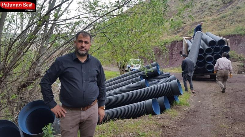 Karşıbahçeler Mahallesi Su Kanalına Elazığ Belediyesi Su Borusu Desteğinde Bulundu