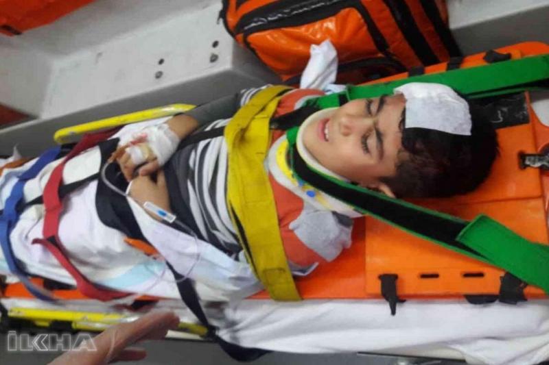 Kovancılar`da otobüs 8 yaşındaki çocuğa çarptı