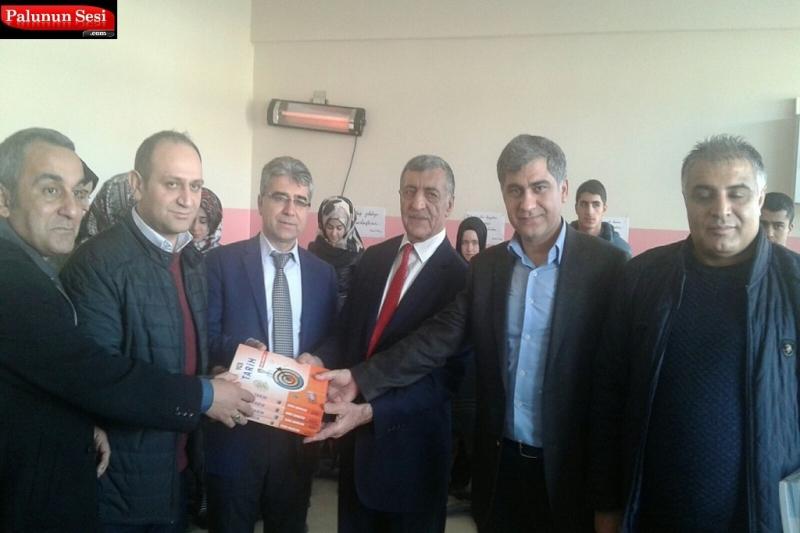 Palu Anadolu Lisesi`ne Kitap Bağışı Yapıldı