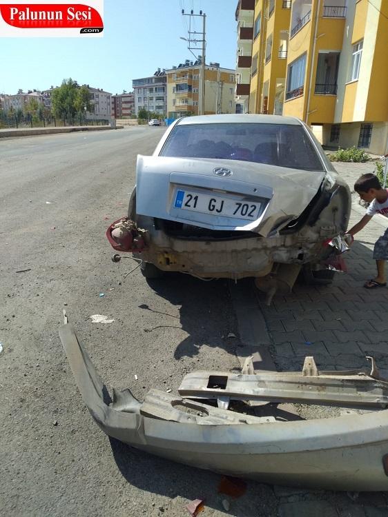 Palu`da Maddi Hasarlı Kaza