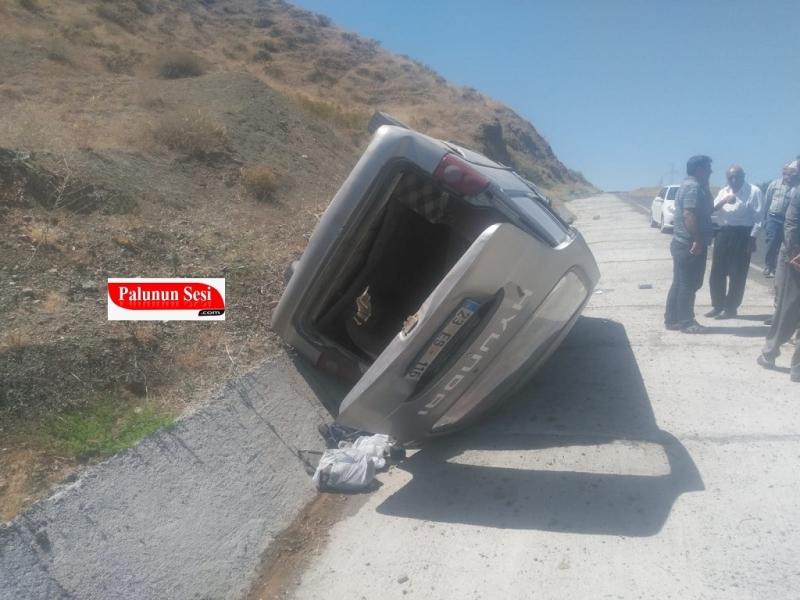 Palu`da Taziyeden Dönen Araç Kaza Yaptı: 6 Yaralı