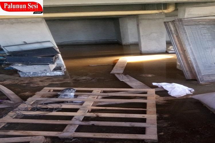 Toki`de Kanalizasyon Sorunundan Binada Yaşayamıyorlar