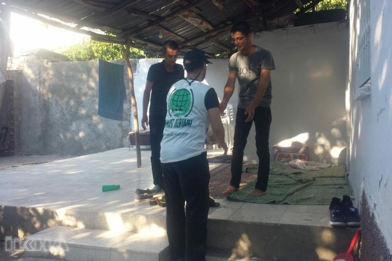 Umut Kervanı Elâzığ'da 450 aileye kurban eti dağıttı